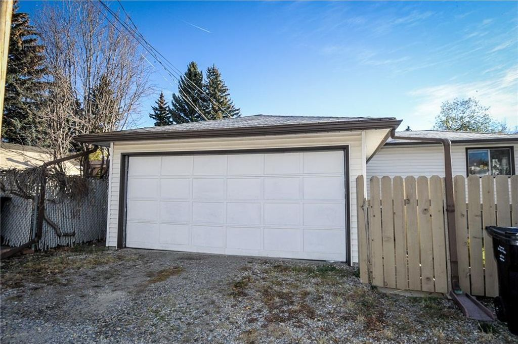 Photo 19: Photos: 5304 & 5306 7 Avenue SW in Calgary: Westgate Multi Unit for sale : MLS®# C4150515