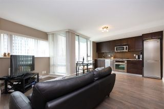 "Photo 3: 801 918 COOPERAGE Way in Vancouver: Yaletown Condo for sale in ""THE MARINER"" (Vancouver West)  : MLS®# R2276404"