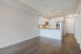 """Photo 8: 418 20696 EASTLEIGH Crescent in Langley: Langley City Condo for sale in """"The Georgia"""" : MLS®# R2574305"""