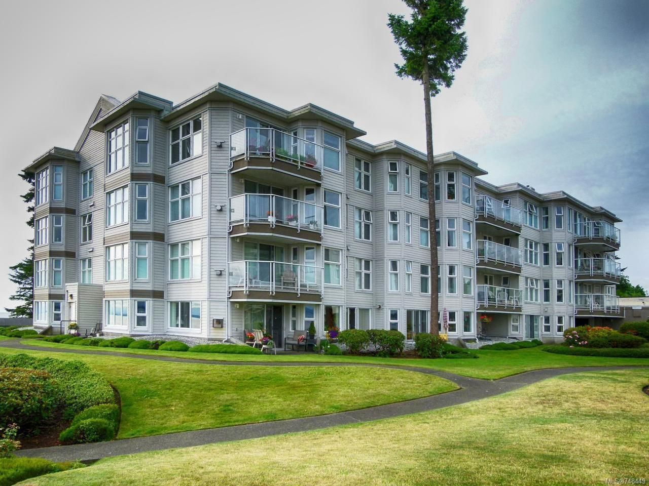 Main Photo: 411 9 Adams Rd in CAMPBELL RIVER: CR Willow Point Condo for sale (Campbell River)  : MLS®# 748449