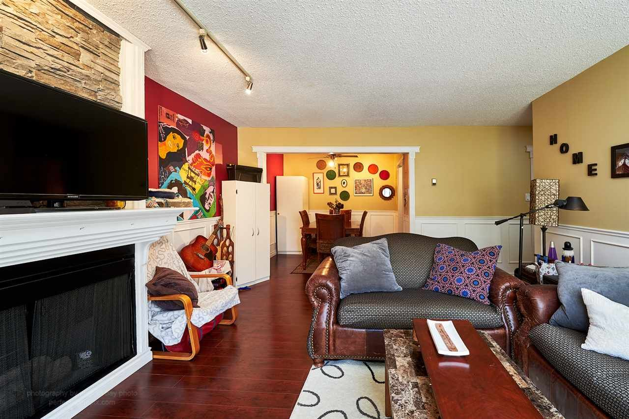 """Main Photo: 301 708 EIGHTH Avenue in New Westminster: Uptown NW Condo for sale in """"VILLA FRANCISCAN"""" : MLS®# R2102340"""