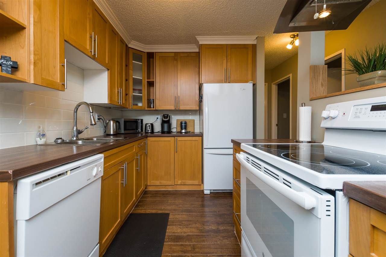 """Photo 10: Photos: 106 1442 BLACKWOOD Street: White Rock Condo for sale in """"BLACKWOOD MANOR"""" (South Surrey White Rock)  : MLS®# R2380049"""