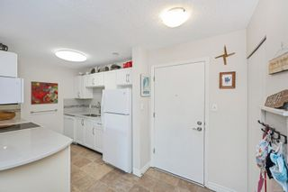 Photo 13: 215 10110 Fifth St in : Si Sidney North-East Condo for sale (Sidney)  : MLS®# 880325