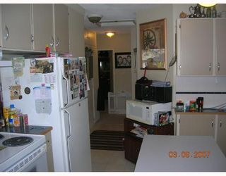 """Photo 9: 1381 WHITEWOOD Place in North_Vancouver: Norgate House for sale in """"NORGATE"""" (North Vancouver)  : MLS®# V666523"""