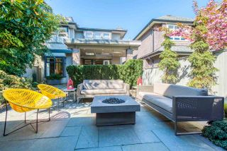 """Photo 2: 3436 W 29TH Avenue in Vancouver: Dunbar House for sale in """"Dunbar / Lord Byng Catchment"""" (Vancouver West)  : MLS®# R2363294"""