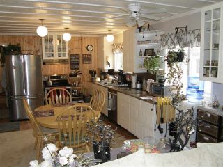 Photo 4: 12 62010 FLOOD HOPE Road in Hope: Hope Center Manufactured Home for sale : MLS®# R2556041