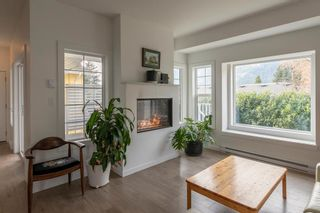 "Photo 1: 6 39885 GOVERNMENT Road in Squamish: Northyards House for sale in ""Abbey Lane Residences"" : MLS®# R2324776"