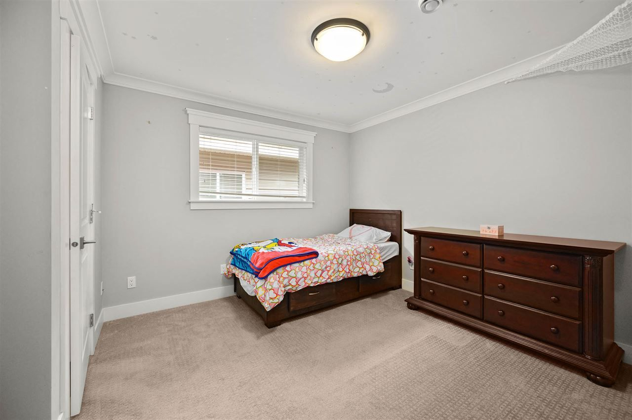 """Photo 16: Photos: 7796 211B Street in Langley: Willoughby Heights House for sale in """"YORKSON"""" : MLS®# R2480434"""