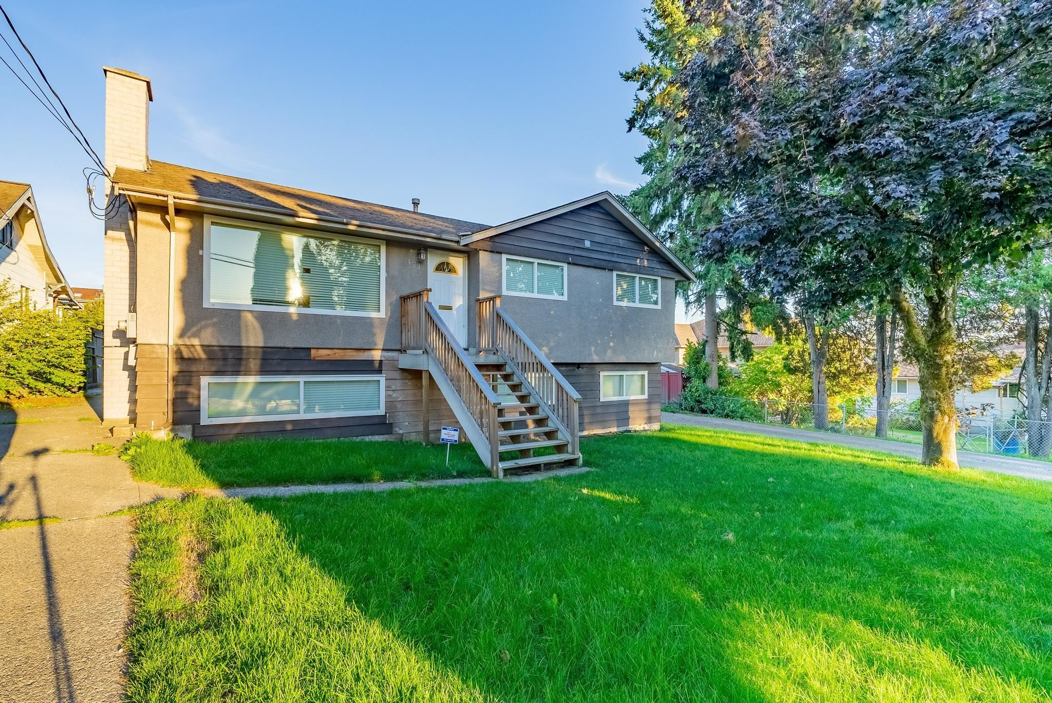 Main Photo: 371 BLUE MOUNTAIN Street in Coquitlam: Maillardville House for sale : MLS®# R2622217