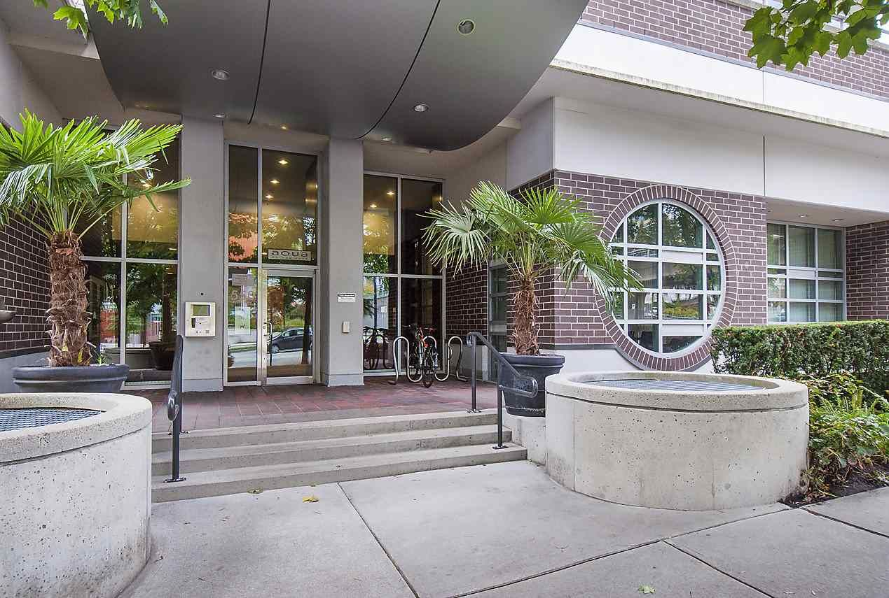 Photo 2: Photos: 101 550 PACIFIC STREET in Vancouver: Yaletown Condo for sale (Vancouver West)  : MLS®# R2135821