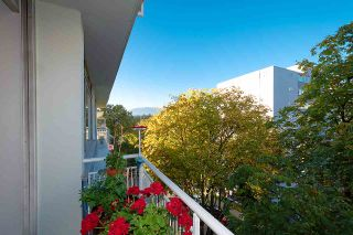 """Photo 5: 501 1960 ROBSON Street in Vancouver: West End VW Condo for sale in """"Lagoon Terrace"""" (Vancouver West)  : MLS®# R2528617"""
