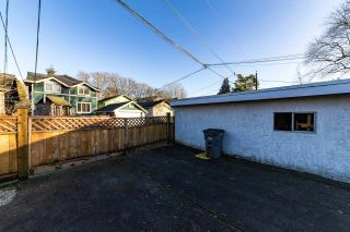 "Photo 12: 3355 W 12TH Avenue in Vancouver: Kitsilano House for sale in ""Kitsilano"" (Vancouver West)  : MLS®# R2536590"