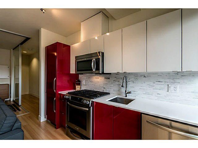 """Photo 7: Photos: 305 2250 COMMERCIAL Drive in Vancouver: Grandview VE Condo for sale in """"THE MARQUEE ON THE DRIVE"""" (Vancouver East)  : MLS®# V1109784"""