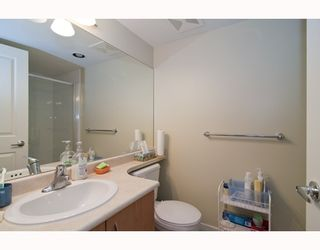 """Photo 7: 301 995 W 59th Ave in Vancouver: Marpole Condo for sale in """"Chruchill Gardens"""" (Vancouver West)  : MLS®# V812017"""