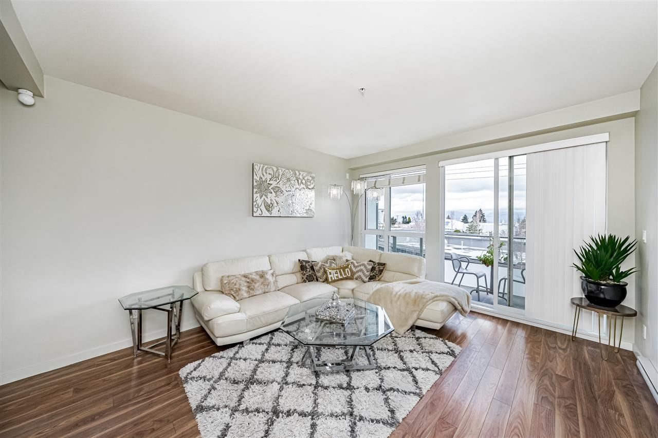 Main Photo: 309 5388 GRIMMER Street in Burnaby: Metrotown Condo for sale (Burnaby South)  : MLS®# R2557912