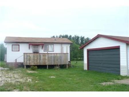 Main Photo: 20 MARINA ROW: Residential for sale (Canada)  : MLS®# 1015137