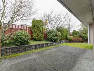 Photo 36: 106 2077 St Andrews Way in COURTENAY: CV Courtenay East Row/Townhouse for sale (Comox Valley)  : MLS®# 836791