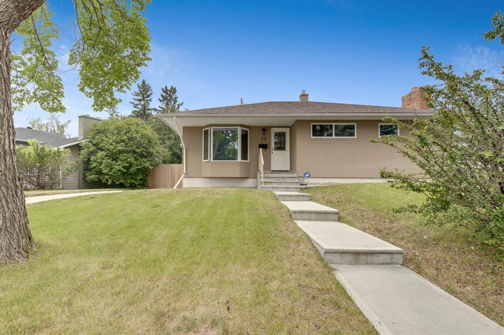 Main Photo: 79 Warwick Drive SW in Calgary: Westgate Detached for sale : MLS®# A1131480