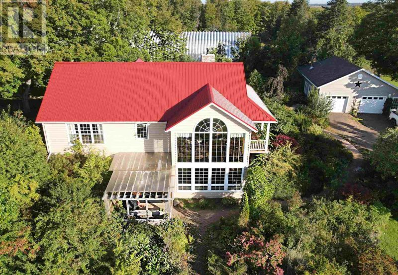 FEATURED LISTING: 352 Centre Road Hope River