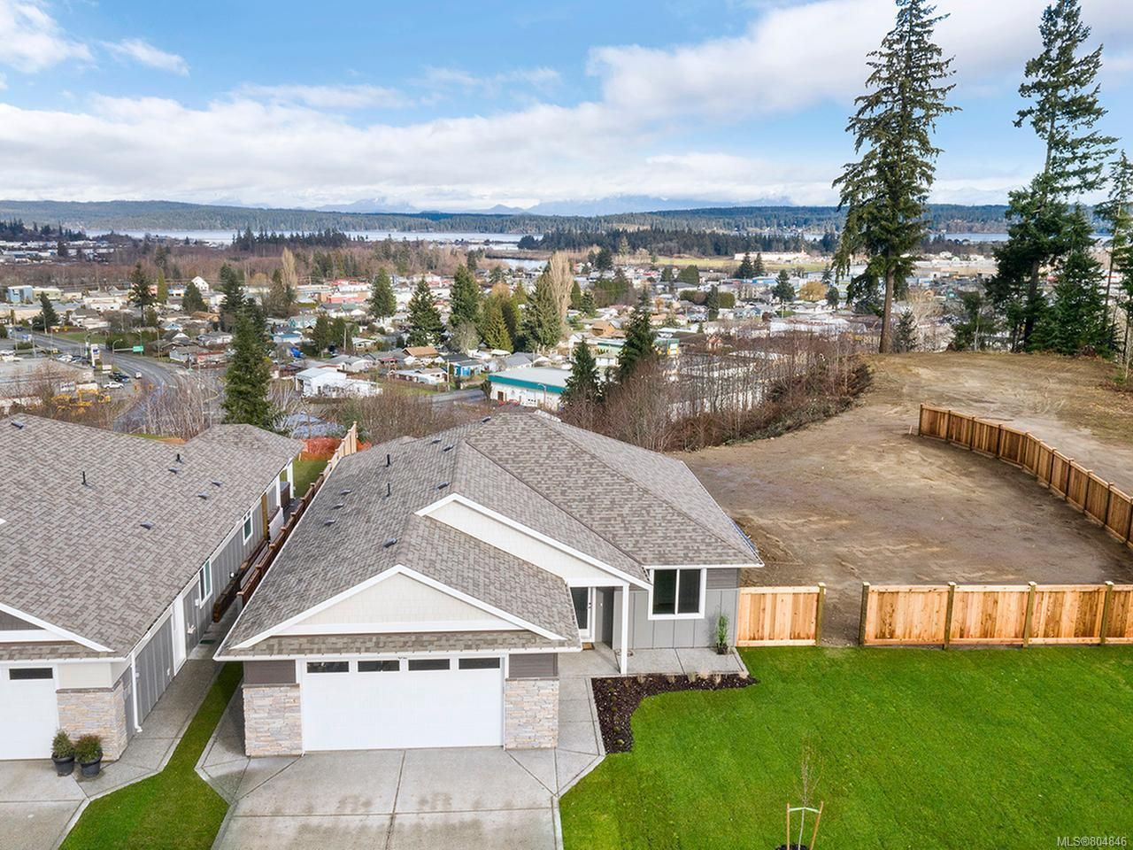 Main Photo: 62 2000 Treelane Rd in CAMPBELL RIVER: CR Campbell River West Row/Townhouse for sale (Campbell River)  : MLS®# 804846
