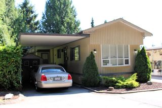 """Photo 1: 5 21163 LOUGHEED Highway in Maple Ridge: Southwest Maple Ridge Manufactured Home for sale in """"VAL MARIA MOBILE HOME PARK"""" : MLS®# R2598926"""