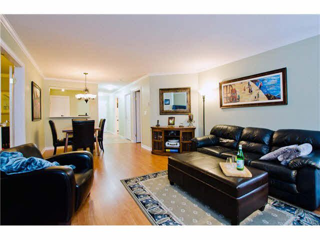 """Photo 5: Photos: 106 15272 20TH Avenue in Surrey: King George Corridor Condo for sale in """"Windsor Court"""" (South Surrey White Rock)  : MLS®# F1429895"""
