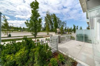 """Photo 3: 4 10581 140 Street in Surrey: Whalley Townhouse for sale in """"HQ Thrive"""" (North Surrey)  : MLS®# R2382138"""