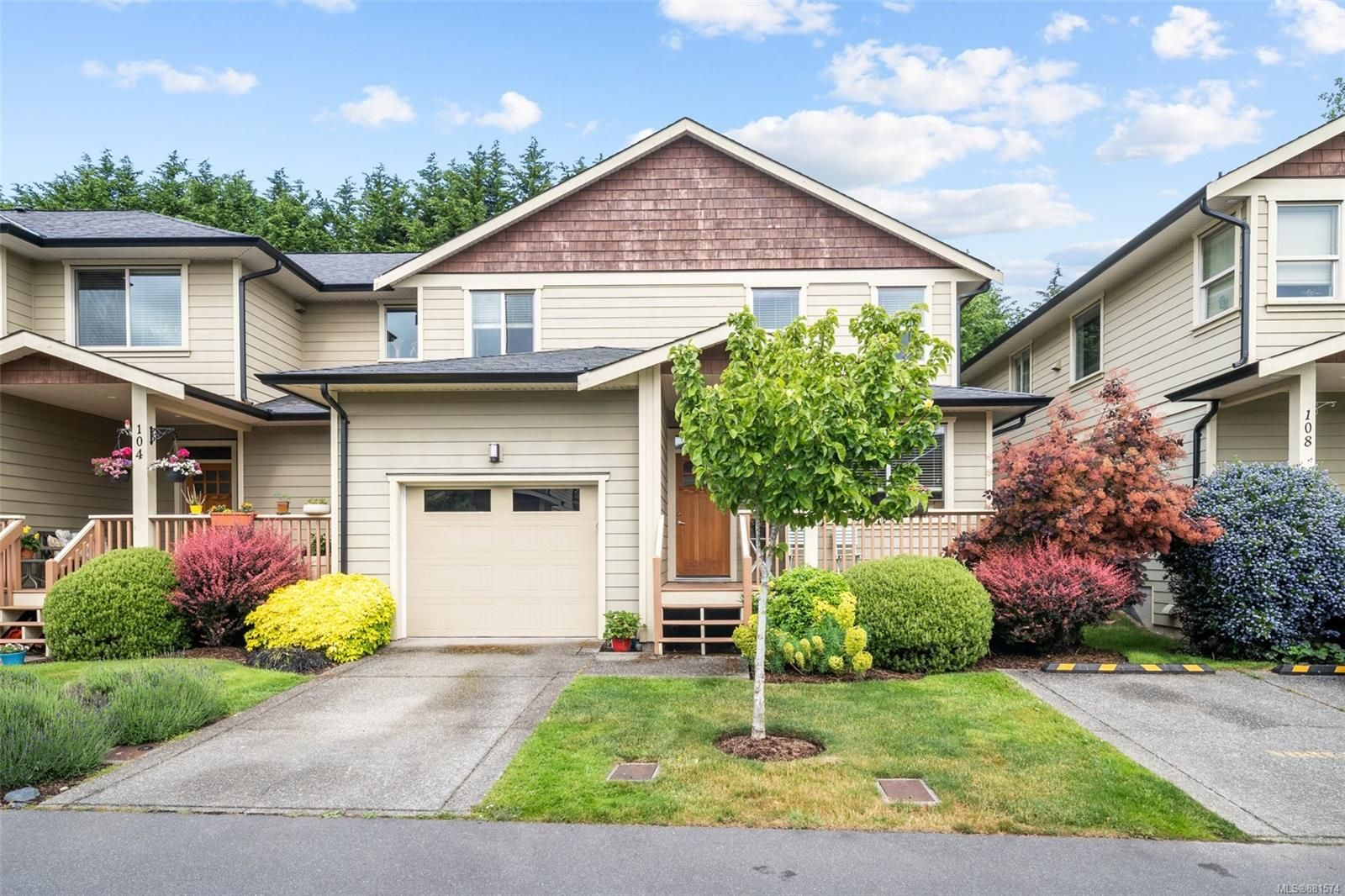 Main Photo: 106 2253 Townsend Rd in : Sk Broomhill Row/Townhouse for sale (Sooke)  : MLS®# 881574