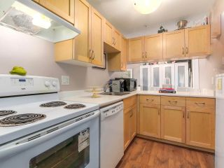 "Photo 3: 104 120 E 5TH Street in North Vancouver: Lower Lonsdale Condo for sale in ""CHELSEA MANOR"" : MLS®# R2138540"