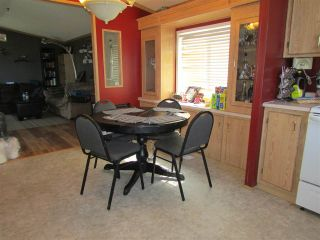Photo 5: 10479 99 Street: Taylor Manufactured Home for sale (Fort St. John (Zone 60))  : MLS®# R2272115