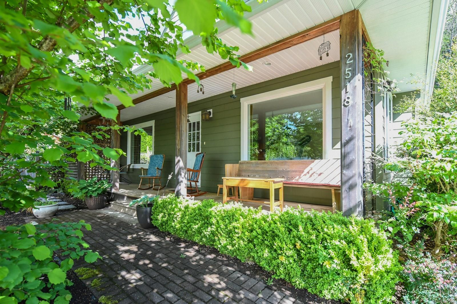 Main Photo: 2518 Dunsmuir Ave in : CV Cumberland House for sale (Comox Valley)  : MLS®# 877028
