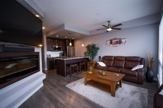 """Photo 4: 301 2238 WHATCOM Road in Abbotsford: Abbotsford East Condo for sale in """"WATERLEAF"""" : MLS®# R2492483"""