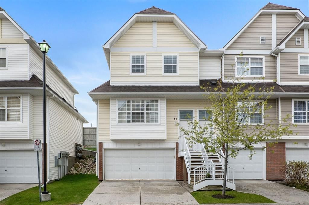 Main Photo: 69 Tuscany Springs Gardens NW in Calgary: Tuscany Row/Townhouse for sale : MLS®# A1112566
