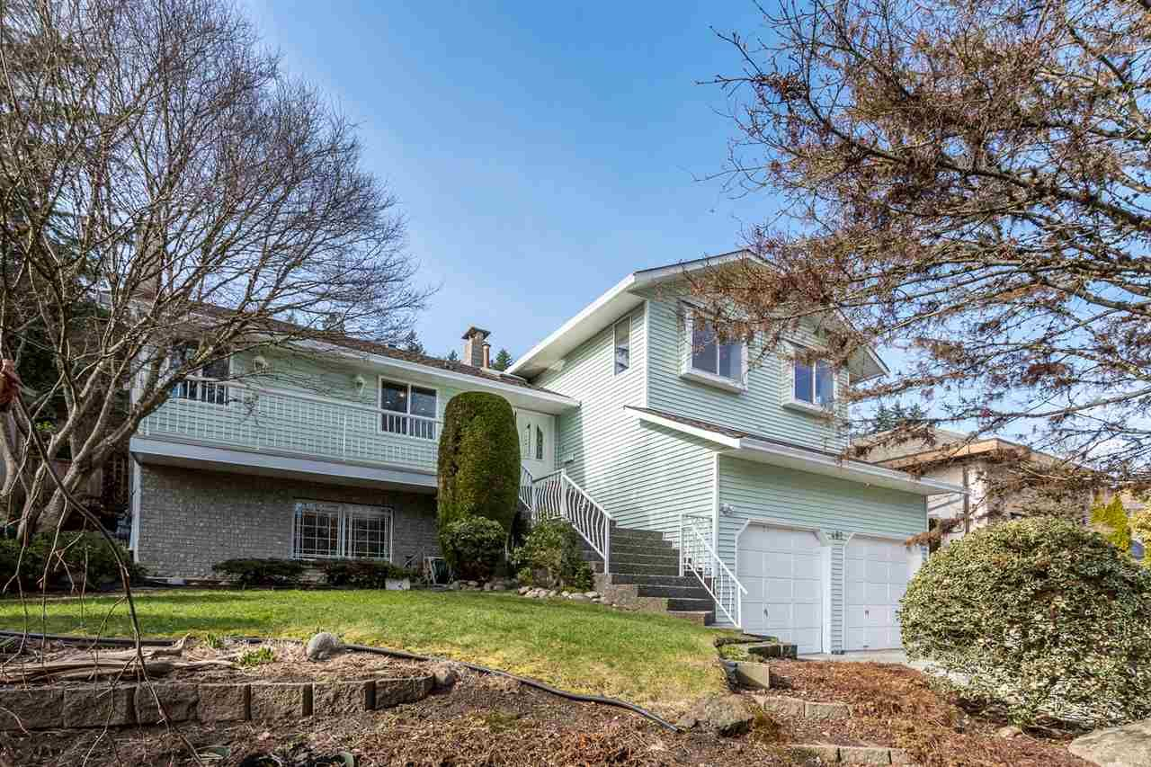 """Main Photo: 482 RIVERVIEW Crescent in Coquitlam: Coquitlam East House for sale in """"RIVERVIEW"""" : MLS®# R2548464"""