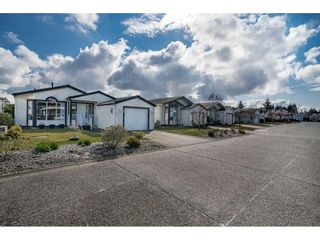 Photo 2: 10 2345 CRANLEY DRIVE in Surrey: King George Corridor Manufactured Home for sale (South Surrey White Rock)  : MLS®# R2528785