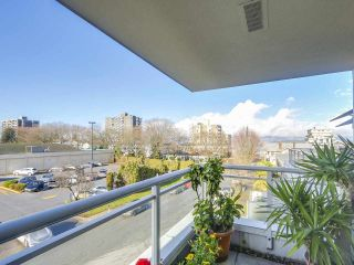 """Photo 19: 301 1978 VINE Street in Vancouver: Kitsilano Condo for sale in """"CAPERS BUILDING"""" (Vancouver West)  : MLS®# R2224832"""