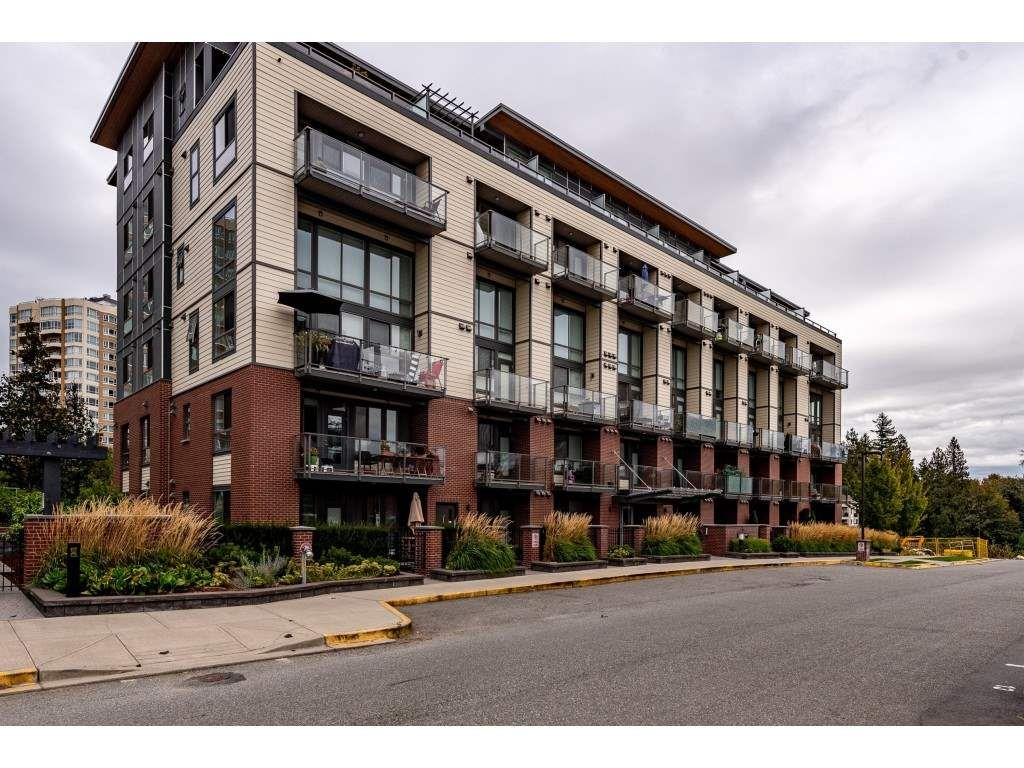 "Main Photo: 311 3080 GLADWIN Road in Abbotsford: Central Abbotsford Condo for sale in ""HUDSON'S LOFT"" : MLS®# R2507979"
