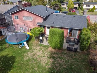 Photo 36: 15500 OXENHAM Avenue: White Rock House for sale (South Surrey White Rock)  : MLS®# R2620472
