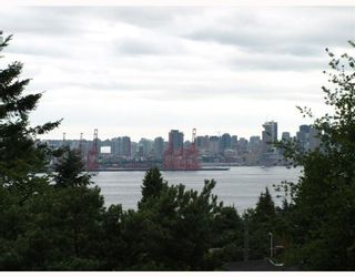 Photo 10: 429 E 6TH Street in North_Vancouver: Lower Lonsdale House for sale (North Vancouver)  : MLS®# V777007