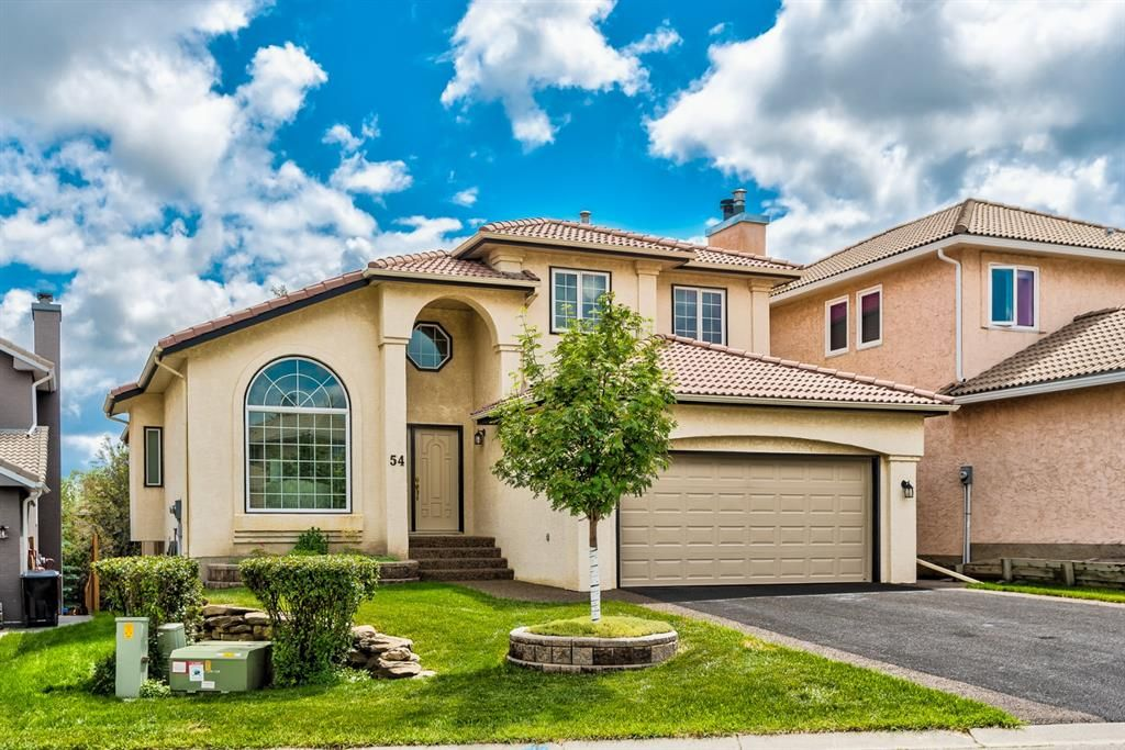 Main Photo: 54 Signature Close SW in Calgary: Signal Hill Detached for sale : MLS®# A1124573