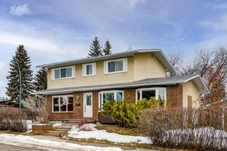 Photo 2: 5904 Lockinvar Road SW in Calgary: Lakeview Detached for sale : MLS®# A1076389