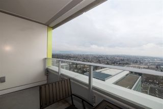 """Photo 13: 3208 488 SW MARINE Drive in Vancouver: Marpole Condo for sale in """"Marine Gateway"""" (Vancouver West)  : MLS®# R2440904"""