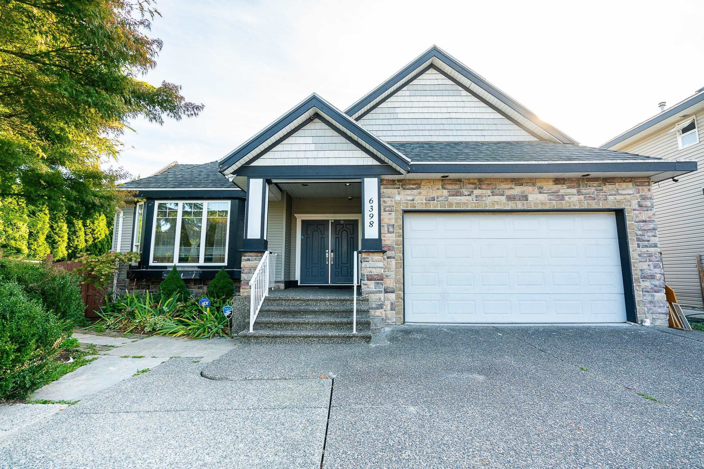 Main Photo: 6398 166 Street in Surrey: Cloverdale BC House for sale (Cloverdale)  : MLS®# R2621973