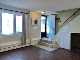 Photo 3: 6 3809 45 Street SW in Calgary: Glenbrook Row/Townhouse for sale : MLS®# C4243277