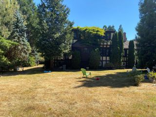 Photo 3: 3260 Beach Dr in : OB Uplands House for sale (Oak Bay)  : MLS®# 880203