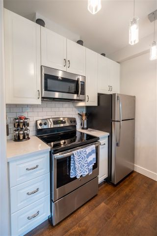 Photo 7: 936 W 16TH Avenue in Vancouver: Cambie Condo for sale (Vancouver West)  : MLS®# R2464695