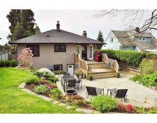 Photo 9: 438 E 17TH ST in North Vancouver: House for sale : MLS®# V823948