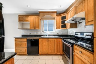 Photo 8: 888 W 70TH Avenue in Vancouver: Marpole 1/2 Duplex for sale (Vancouver West)  : MLS®# R2611004