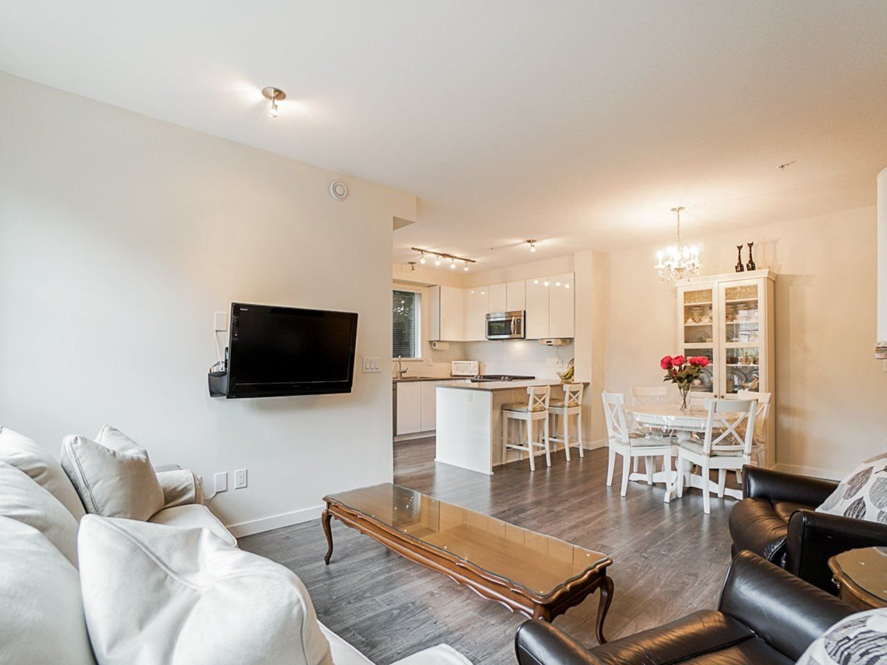 Photo 9: Photos: 108 1151 WINDSOR Mews in Coquitlam: New Horizons Condo for sale : MLS®# R2500299