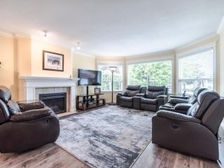 """Photo 3: 3394 198A Street in Langley: Brookswood Langley House for sale in """"Meadowbrook"""" : MLS®# R2586266"""